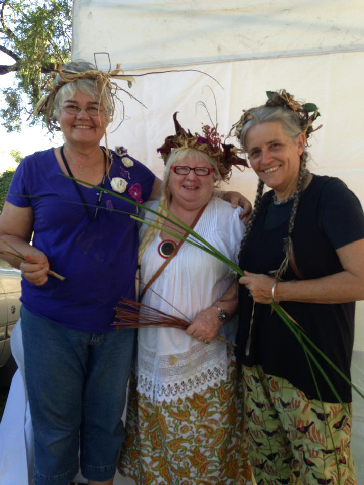 Weave a Wild mobile with the fibre sisters